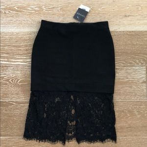 Mini skirt with lace at the bottom